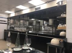 dans les cuisine du restaurant La palme d'Or au Martinez de Cannes