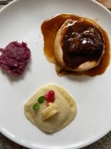 Même notre resto préféré Le Lugdunum fait des plats à emporter